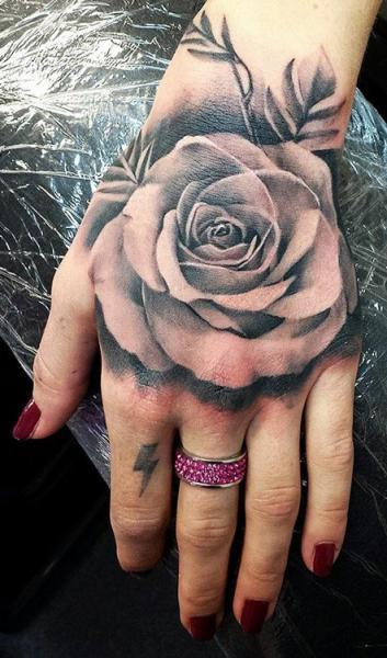 rose-tattoos-27