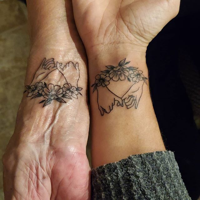 mother-daughter-tattoo-36