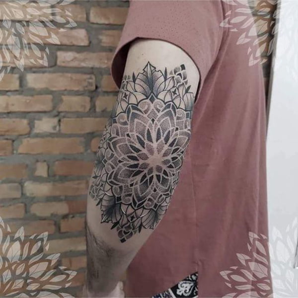 Grayscale Flower Pattern and Leaves